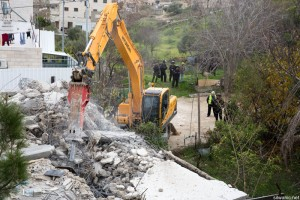 Israeli Forces Demolish Civilian and Commercial Facilities in Silwan and Beit Safafa Villages in Occupied Jerusalem