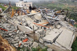 Bethlehem: Israeli forces demolish house belonging to Joudah Mousa in al-Shorfah area